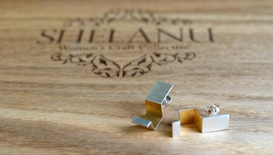 Shelanu Interlocking Stories earrings in gold. Simple in design.